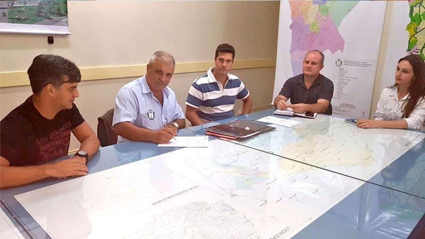 Assinadas ordens de serviço para retomada dos CMEIs Rio Bonito e Dallegrave